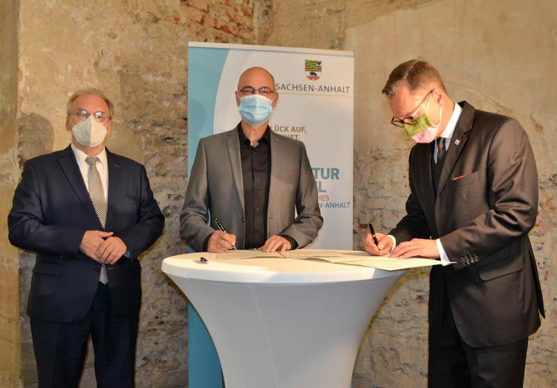 Kooperationsvereinbarung zwischen Kompetenzzentrum und der Stadt Zeitz geschlossen